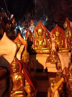 Golden Buddhas Pindaya Cave