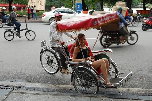 Hoan Kiem taxi Vietnam