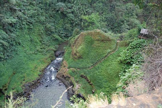 tad gneuang waterfall trail