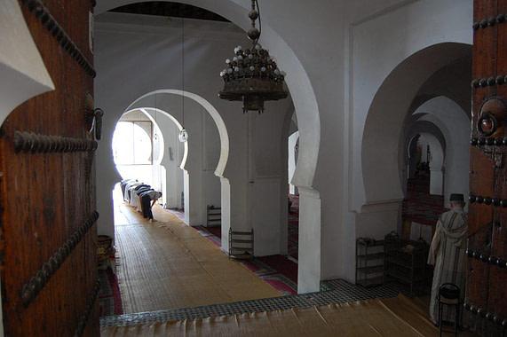 Shrine of the Zawiya Moulay Idriss II Prayers